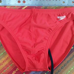 Speedo Men's Red Fitness Bikini - US32 NEW 3290